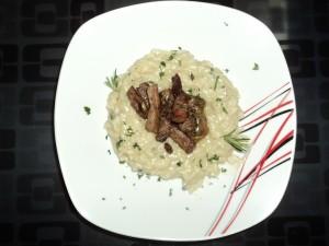 Risoto de gorgonzola com escalopinhos e ervas!